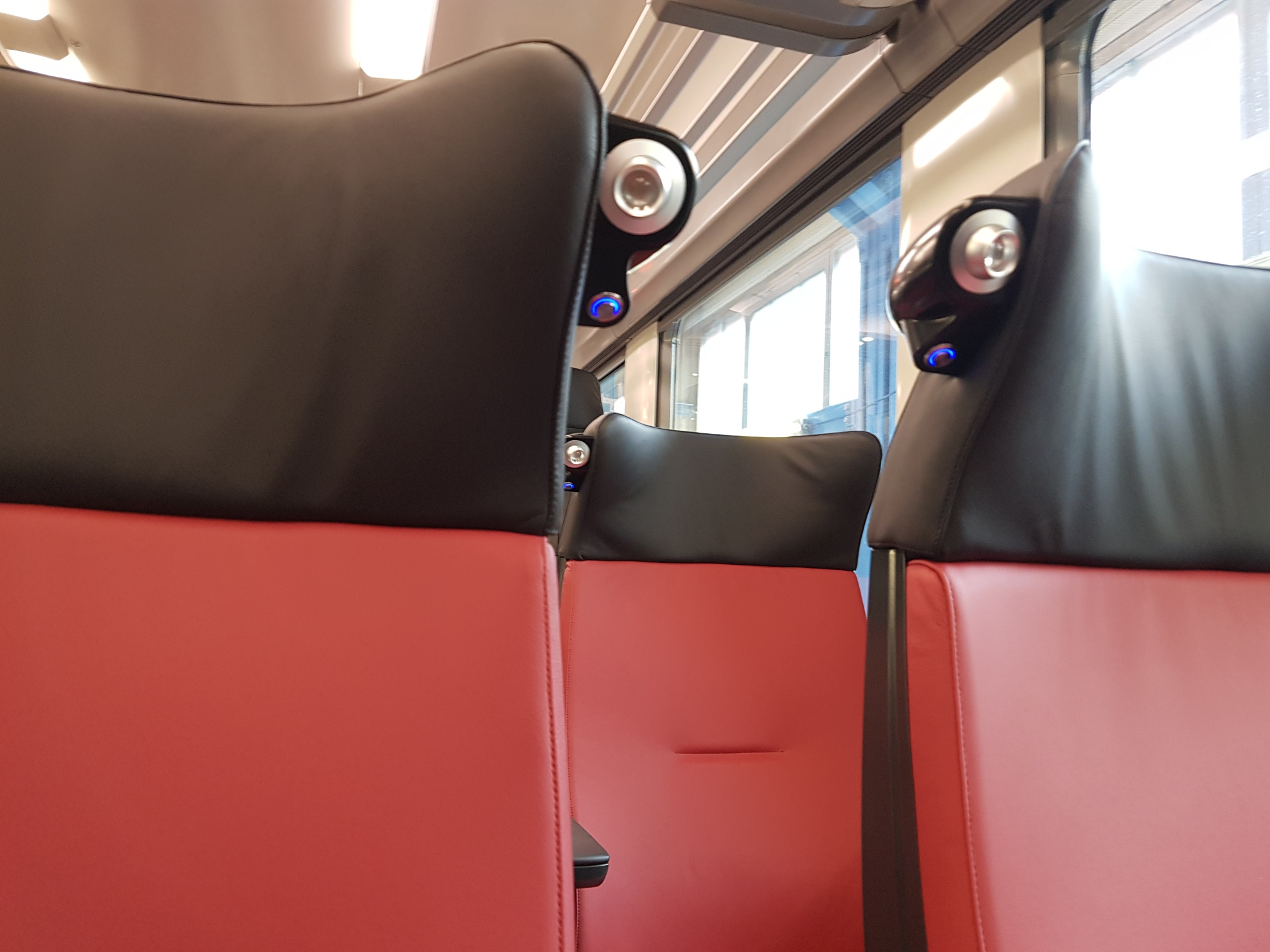 BIOSPHERE FLUX in association with COMPIN delivers the reading lights for ALSTOM Algeria project
